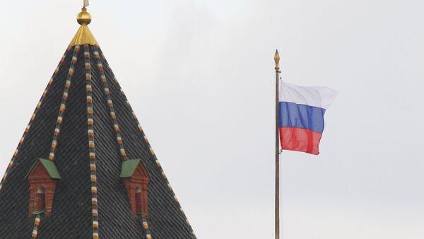 Flaga i godło FR, Kreml - Sputnik Polska