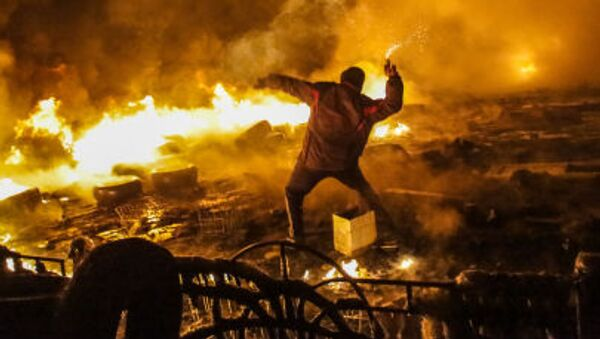 Starcia protestujących z milicją  na Majdanie w Kijowie - Sputnik Polska