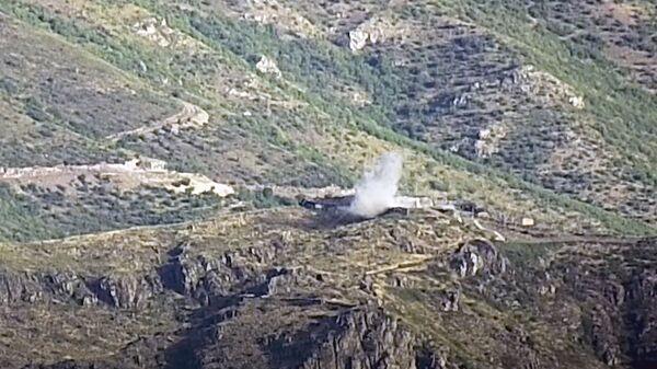 Dym z eksplozji w regionie Tovuz na granicy armeńsko-azerbejdżańskiej - Sputnik Polska