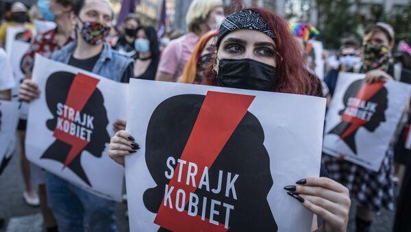 Protesty przeciwko wypowiedzeniu przez Polskę tzw. konwencji stambulskiej - Sputnik Polska