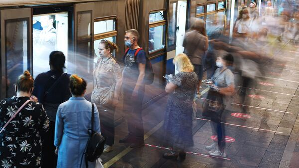 Pasażerowie metra w Moskwie. - Sputnik Polska
