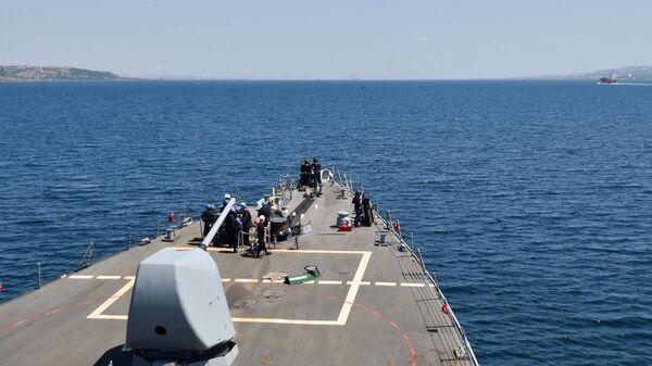 Amerykański niszczyciel rakietowy USS Porter rozpoczął przejście z Morza Czarnego na Morze Śródziemne - Sputnik Polska
