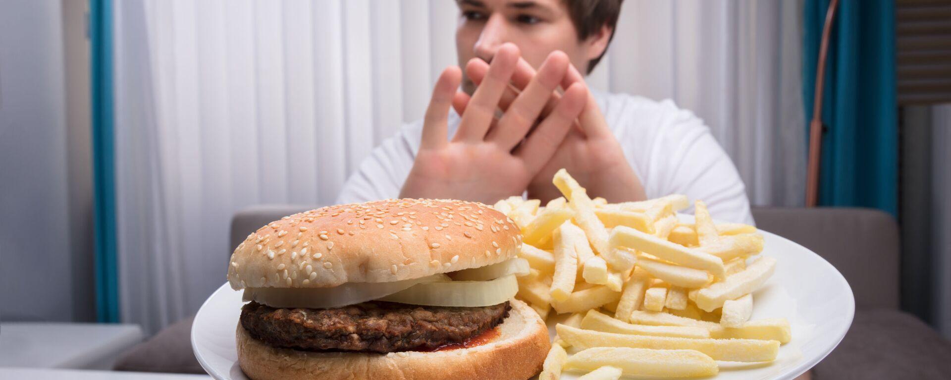 Amerykańscy naukowcy odkryli, że specjalna dieta 5:2 zmniejsza ryzyko impotencji.  - Sputnik Polska, 1920, 10.07.2021