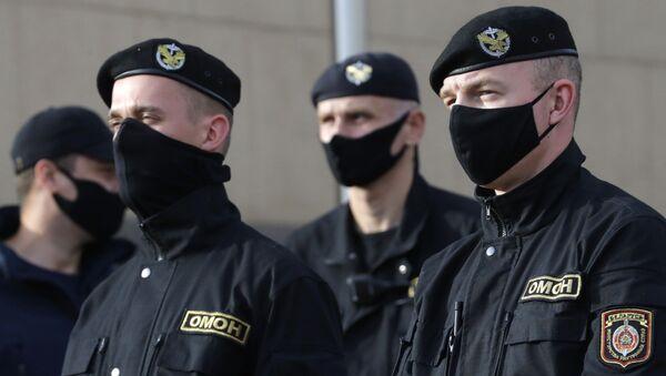Policja w Mińsku - Sputnik Polska