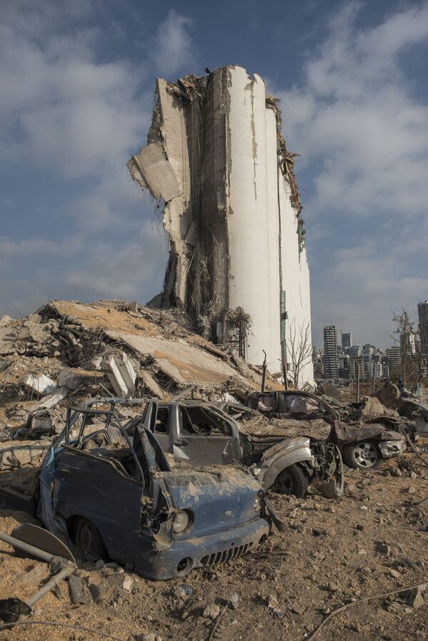 Port w Bejrucie po potężnej eksplozji - Sputnik Polska