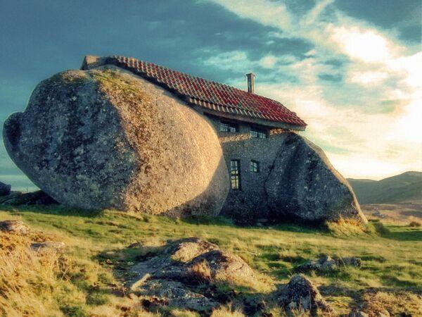 Dom w górach Fafe, Portugalia - Sputnik Polska