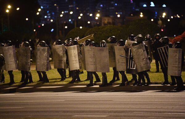 Akcja protestacyjna po wyborach prezydenckich na Białorusi - Sputnik Polska