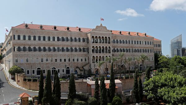 Pałac Rządowy przed protestem po wybuchu w Bejrucie w Libanie - Sputnik Polska