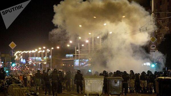 Mińsk, protesty na ulicach - Sputnik Polska