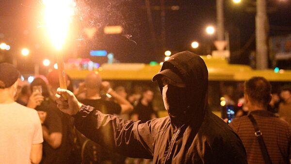 Protesty w Mińsku wieczorem 10 sierpnia - Sputnik Polska