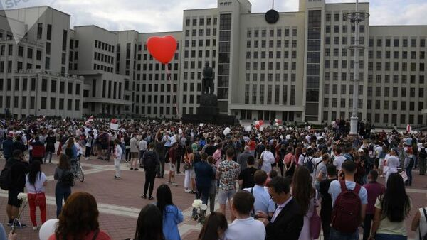 Protesty na Białorusi 14 sierpnia - Sputnik Polska