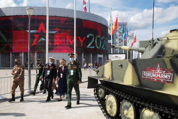 Międzynarodowe Forum Wojskowo-Techniczne ARMIA 2020, dzień pierwszy - Sputnik Polska