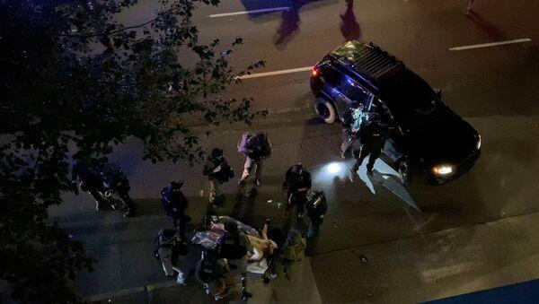 Co najmniej jedna osoba zginęła w strzelaninie w mieście Portland w amerykańskim stanie Oregon, gdzie odbywają się protesty - Sputnik Polska