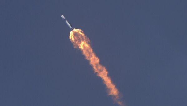 SpaceX Falcon 9 - Sputnik Polska