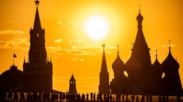 Widok na Kreml z parku Zarjadzie - Sputnik Polska