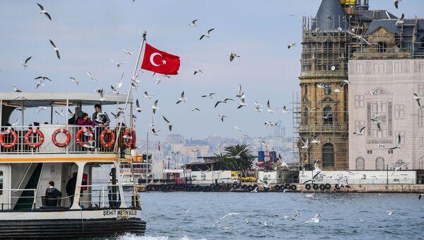 Turecka flaga w Stambule - Sputnik Polska