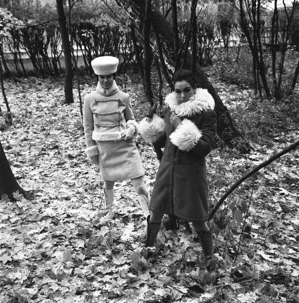 Pokaz modeli odzieży wierzchniej na sezon jesień-zima, 1968 rok  - Sputnik Polska