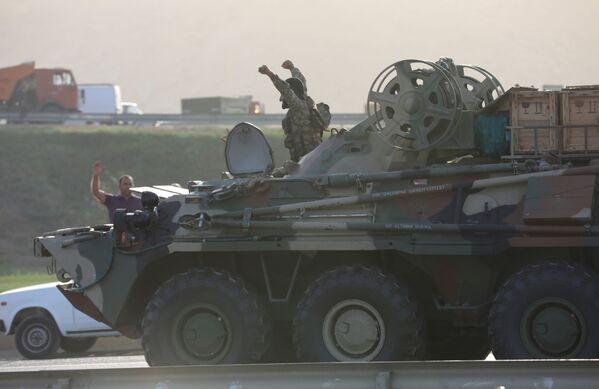 Żołnierz armii azerbejdżańskiej w Baku - Sputnik Polska