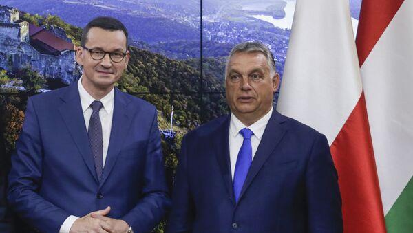 Mateusz Morawiecki i Viktor Orban - Sputnik Polska