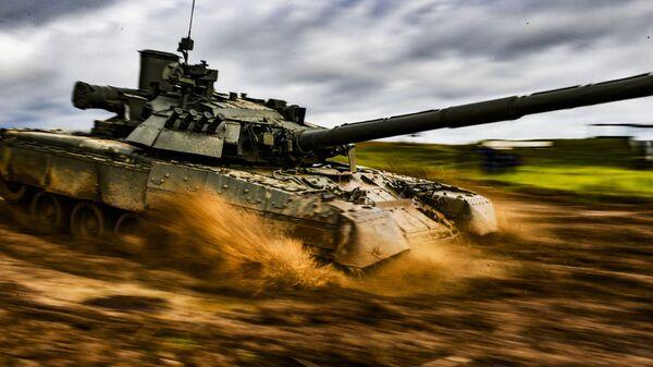 Czołg T-80. - Sputnik Polska