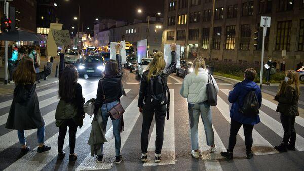Protest w Warszawie - Sputnik Polska