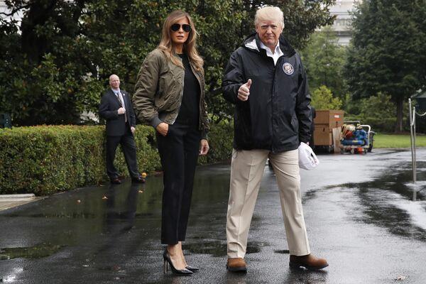 Donald i Melania Trump przed podróżą do Teksasu nawiedzonego przez huragan Harvey, 2017 rok - Sputnik Polska