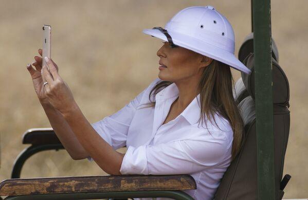 Melania Trump na safari w Kenii, 2018 rok  - Sputnik Polska