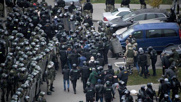 Zatrzymania podczas protestu w Mińsku - Sputnik Polska