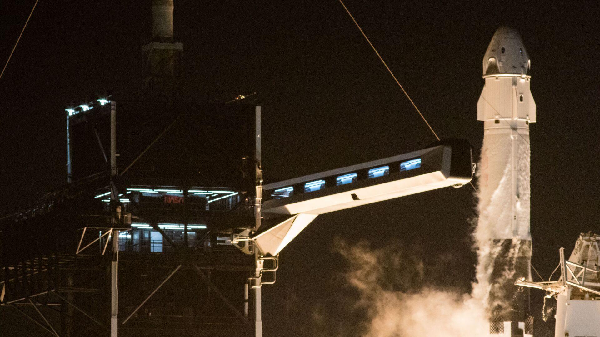 Start rakiety Falcon 9 ze statkiem załogowym Crew Dragon - Sputnik Polska, 1920, 16.09.2021