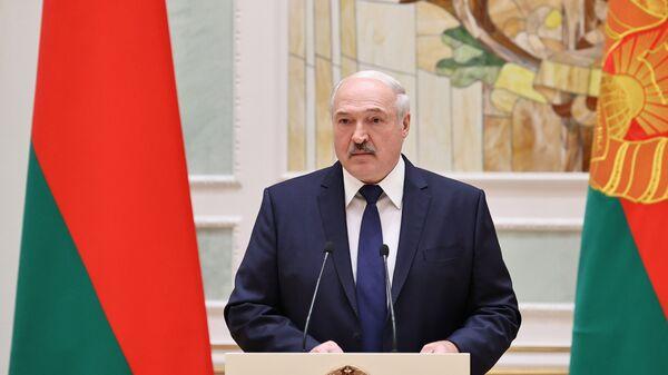 Prezydent Białorusi Alaksandr Łukaszenka podczas przemówienia - Sputnik Polska
