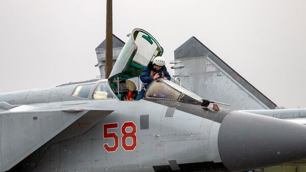 Dzienne loty szkoleniowe Su-35 i MiG-31 w obwodzie twerskim - Sputnik Polska