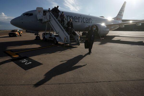 Samolot Boeing 737 Max na pasie startowym na lotnisku Dallas Fort Worth, Teksas, USA - Sputnik Polska