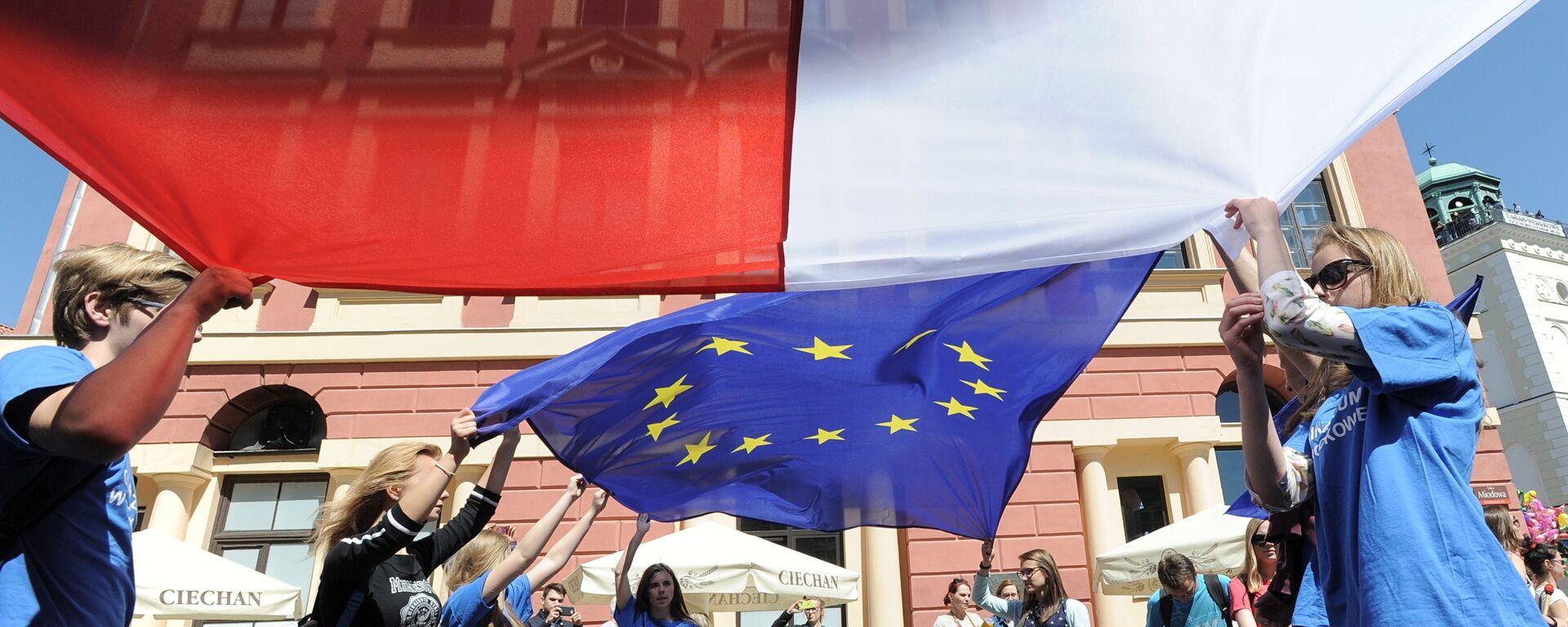 Flagi Polski i UE - Sputnik Polska, 1920, 11.10.2021