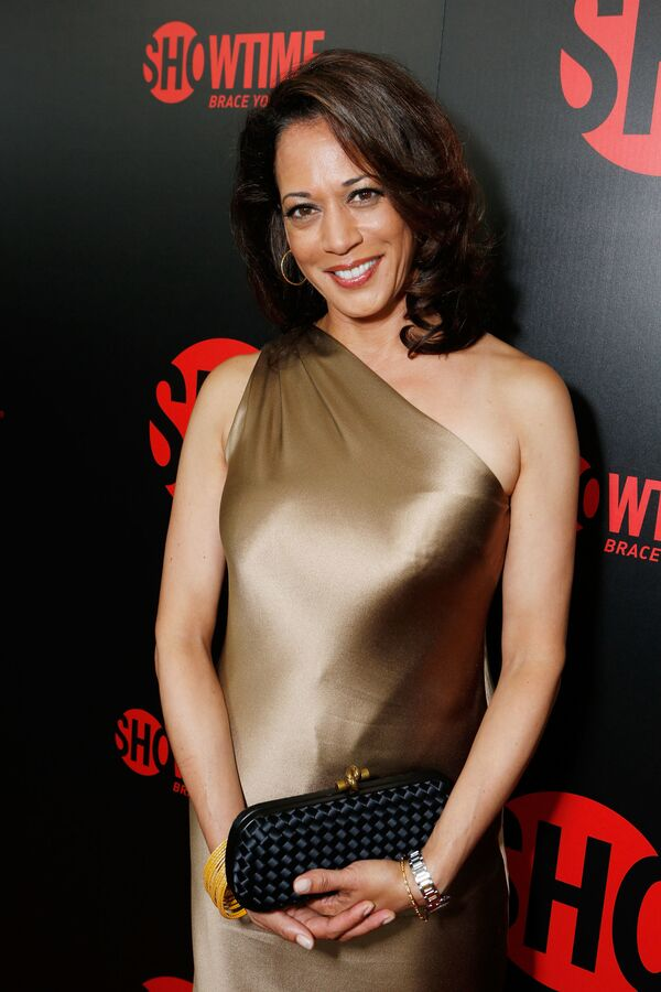"""Kamala Harris na Showtime's 2012 """"EMMYEVE"""" w Kalifornii - Sputnik Polska"""