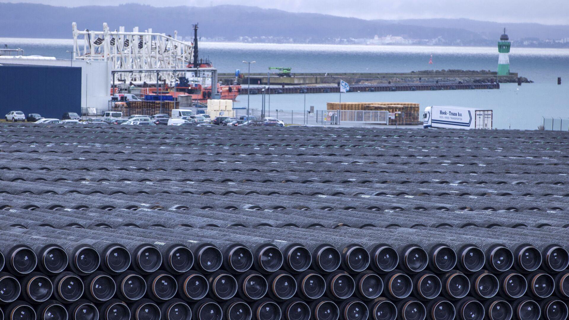 Rury do budowy gazociągu Nord Stream 2 w porcie Mukran w Sassnitz w Niemczech - Sputnik Polska, 1920, 29.03.2021