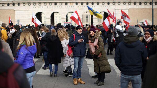Demonstracja przeciwko obostrzeniom w sprawie COVID w Wiedniu - Sputnik Polska