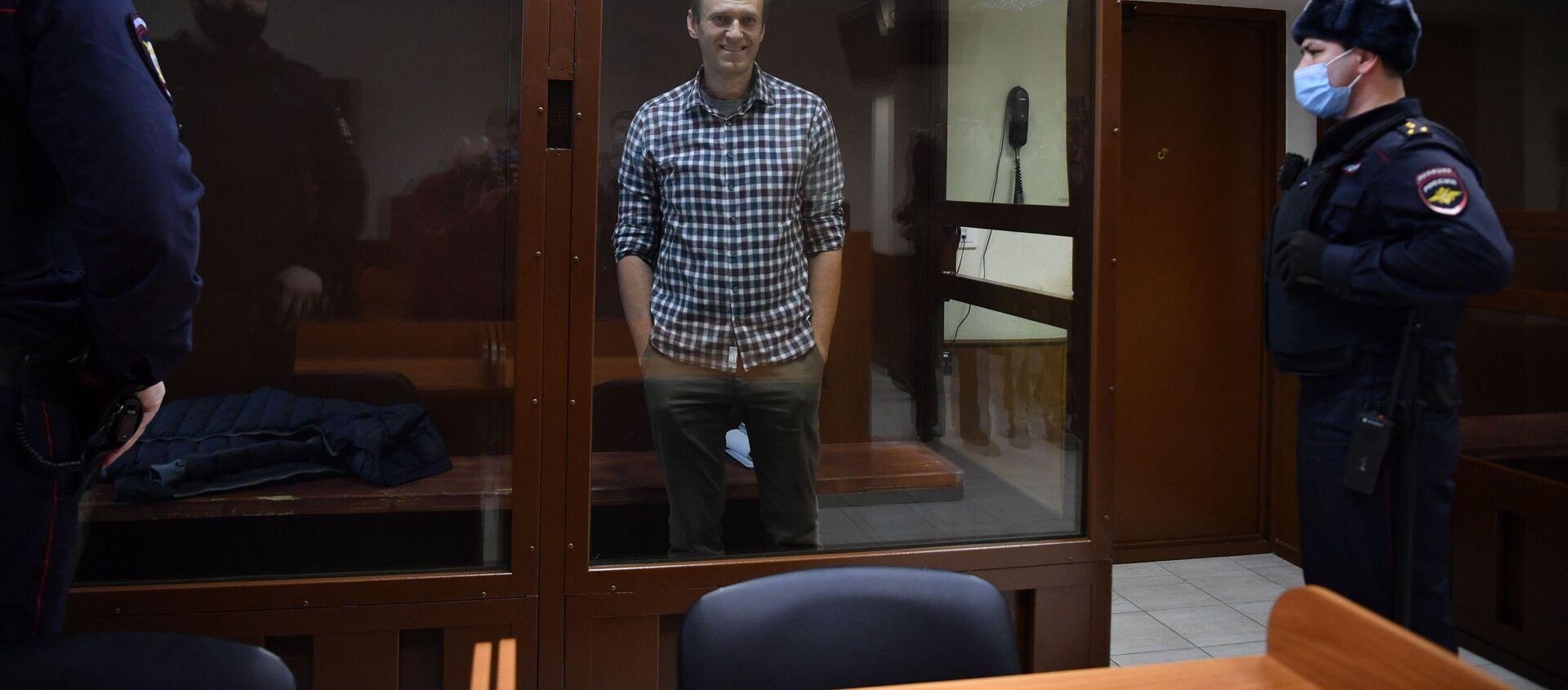 Aleksiej Nawalny na sali rozpraw w Rejonowym Sądzie Babuszkinskim w Moskwie. - Sputnik Polska, 1920, 27.02.2021