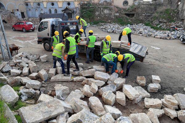 Odbudowa budynków w Mosulu - Sputnik Polska