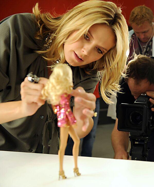 Modelka Heidi Klum i jej lalka Barbie - Sputnik Polska