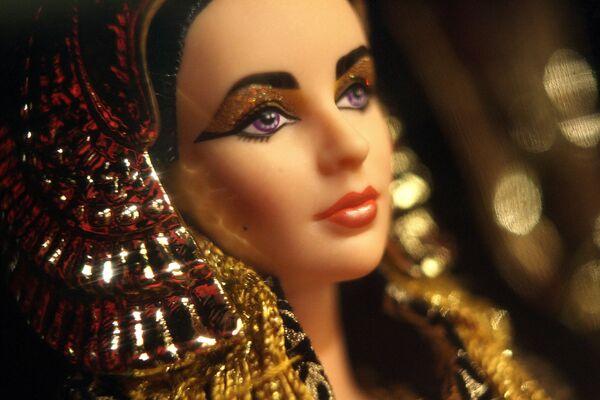 "Lalka Barbie ""Elizabeth Taylor w postaci Kleopatry"" - Sputnik Polska"