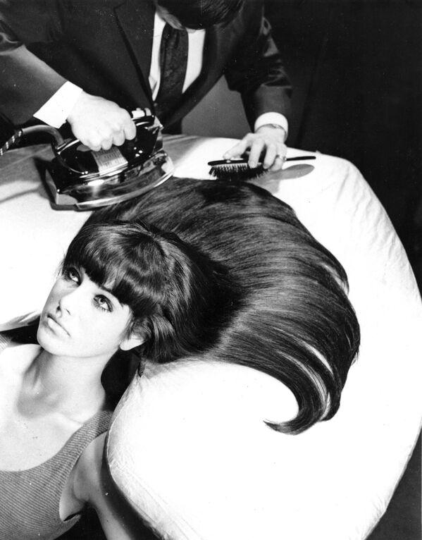 """""""Prasowanie"""" włosów w USA, 1965 rok - Sputnik Polska"""