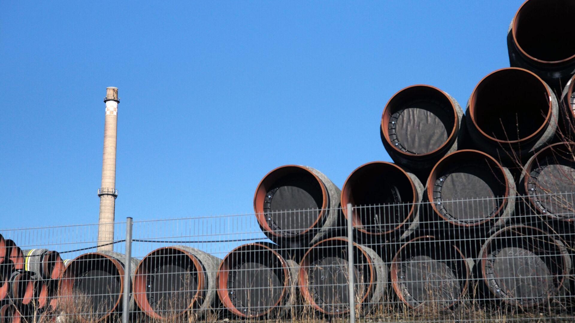 Magazyn rur do budowy gazociągu Nord Stream 2 w porcie Sassnitz w Niemczech - Sputnik Polska, 1920, 31.03.2021
