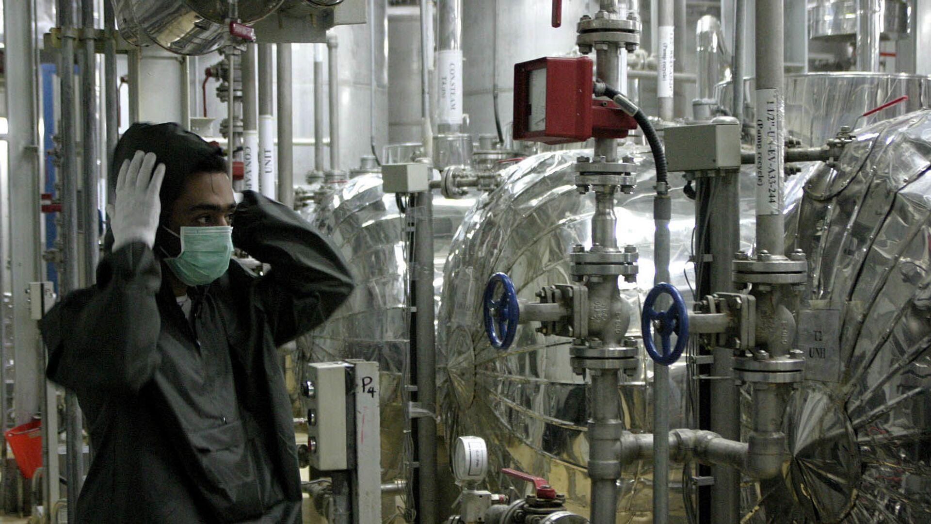 Pracownik irańskiego obiektu jądrowego Isfahan - Sputnik Polska, 1920, 01.04.2021