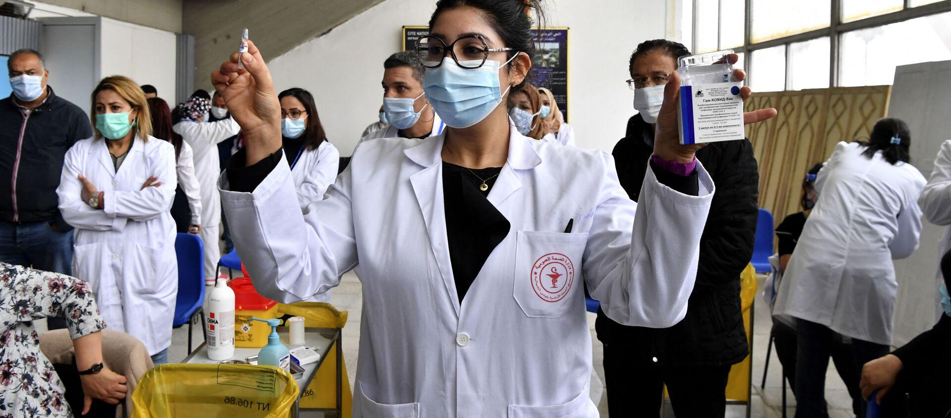 W Tunezji ruszyła kampania szczepień przeciwko koronawirusowi z użyciem szczepionki Sputnik V. - Sputnik Polska, 1920, 13.03.2021