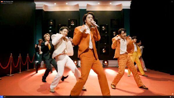 Zespół z Korei Południowej BTS na 63. ceremonii rozdania nagród Grammy w Los Angeles - Sputnik Polska
