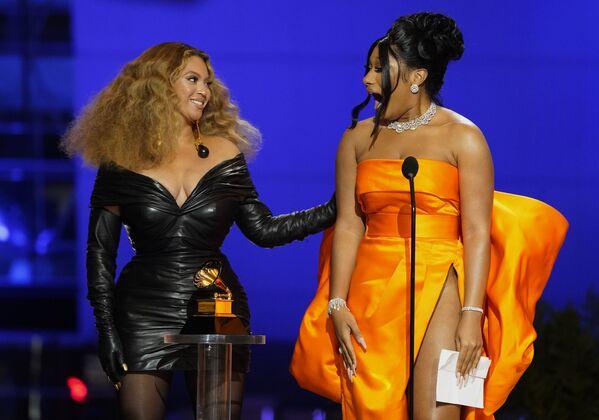 Beyonce i Megan Thee Stallion na 63. ceremonii rozdania nagród Grammy w Los Angeles - Sputnik Polska