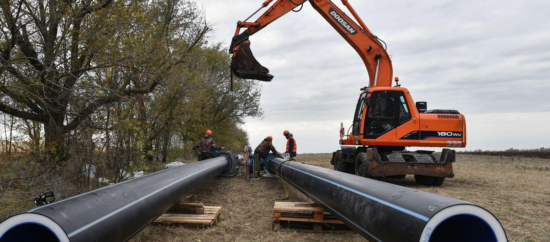 Na Krymie uruchomiono dwie studnie nowego wodociągu Beszterek-Zujskij, który będzie zaopatrywał w wodę Symferopol.  - Sputnik Polska, 1920, 18.03.2021