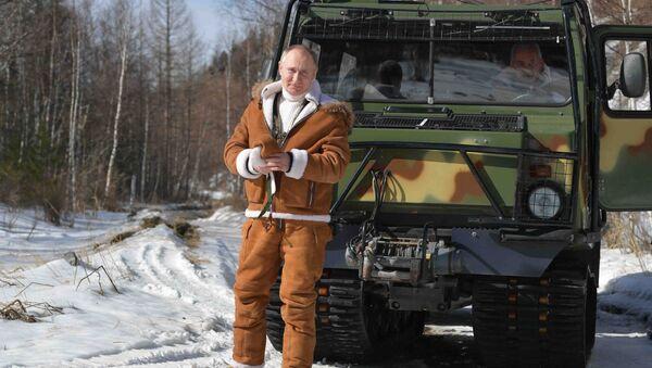 Prezydent Rosji Władimir Putin w syberyjskiej tajdze - Sputnik Polska