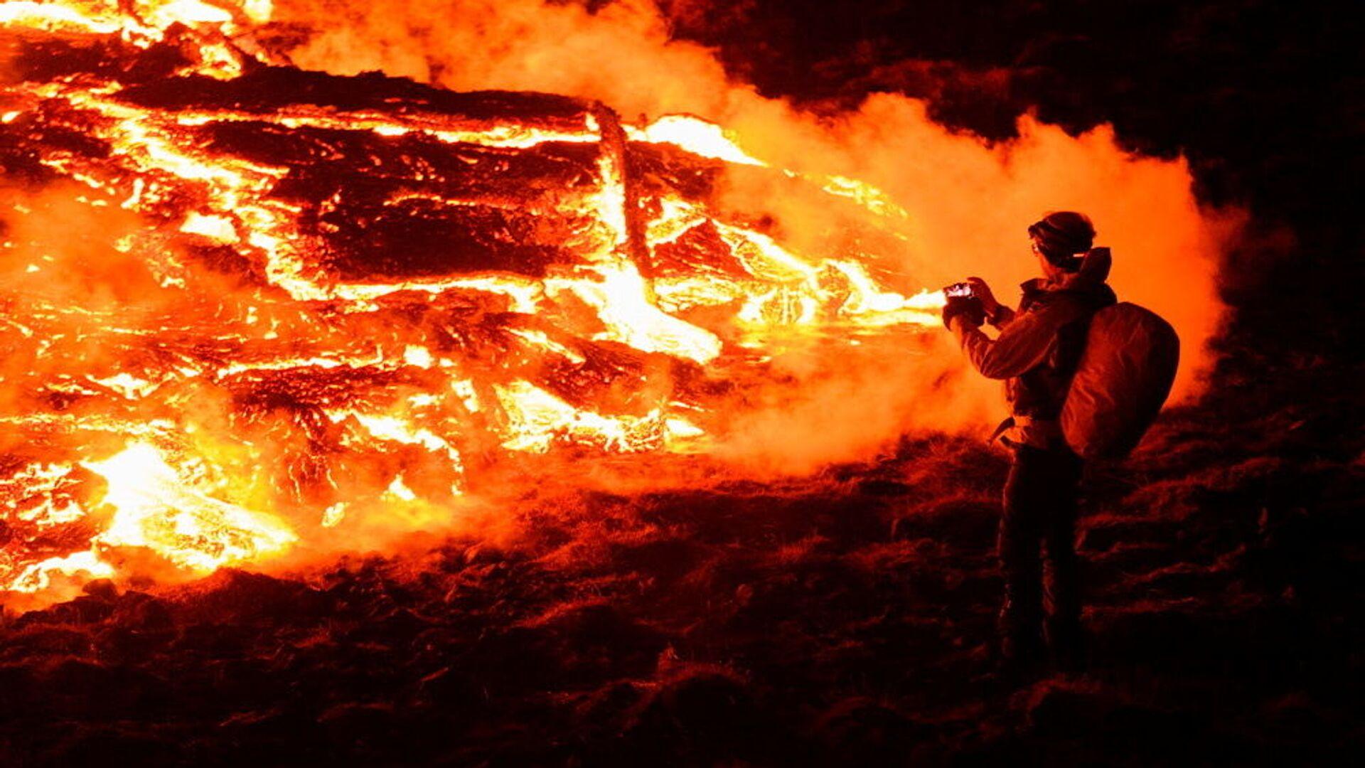Erupcja wulkanu Fagradalsfjall w Islandii - Sputnik Polska, 1920, 23.09.2021