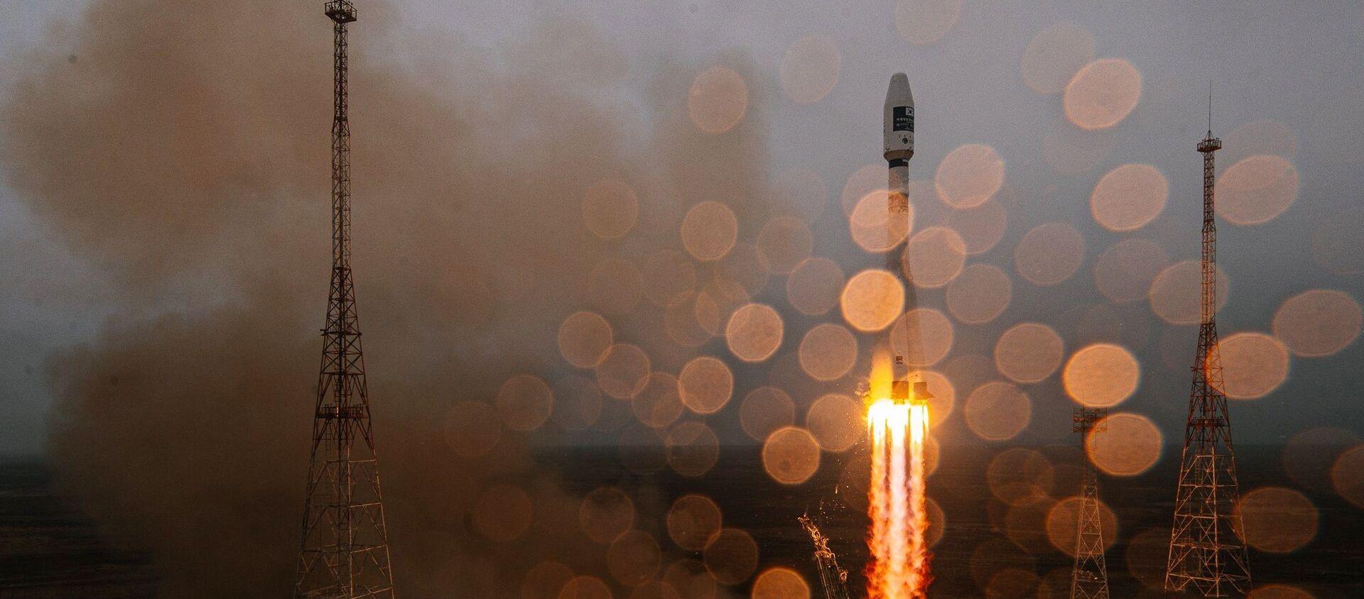 """Start rakiety nośnej """"Sojuz-2.1a"""" z górnym stopniem """"Fregat"""" z kosmodromu Bajkonur - Sputnik Polska, 1920, 22.03.2021"""